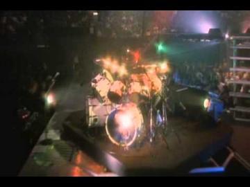 Metallica - Lars Ulrich drum solo/James vs. Lars drumbattle live San Diego 1992