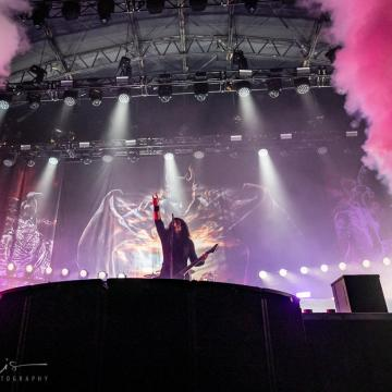 """KREATOR PERFORMS """"BETRAYER"""" WITH CRADLE OF FILTH'S DANI FILTH AT BLOODSTOCK OPEN AIR; VIDEO"""
