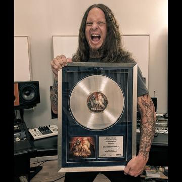 """POWERWOLF RECEIVES PLATINUM AWARD FOR """"DANCING WITH THE DEAD"""" SINGLE"""