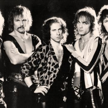 SCORPIONS PERFORM THREE SONGS LIVE IN MEXICO CITY 1994; VIDEO
