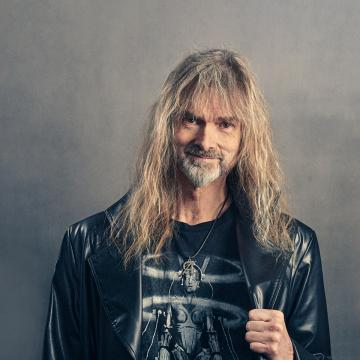 AYREON MASTERMIND ARJEN LUCASSEN UNVEILS FINISHED COVER PAINTING FOR NEW STAR ONE ALBUM IN VIDEO UPDATE