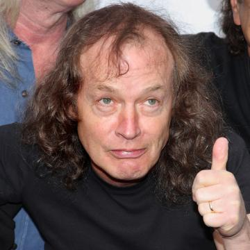 HEAVY BDAY ANGUS YOUNG