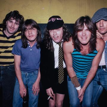 ΣΠΑΝΙΟ LIVE ΒΙΝΤΕΟ ΤΩΝ AC/DC